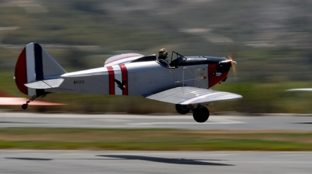 Vintage Plane Pan-Action